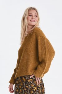 brown-sugar-knitted-pullover