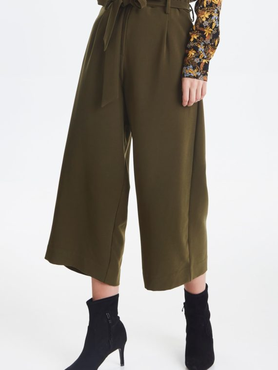 dark-olive-pants-casual