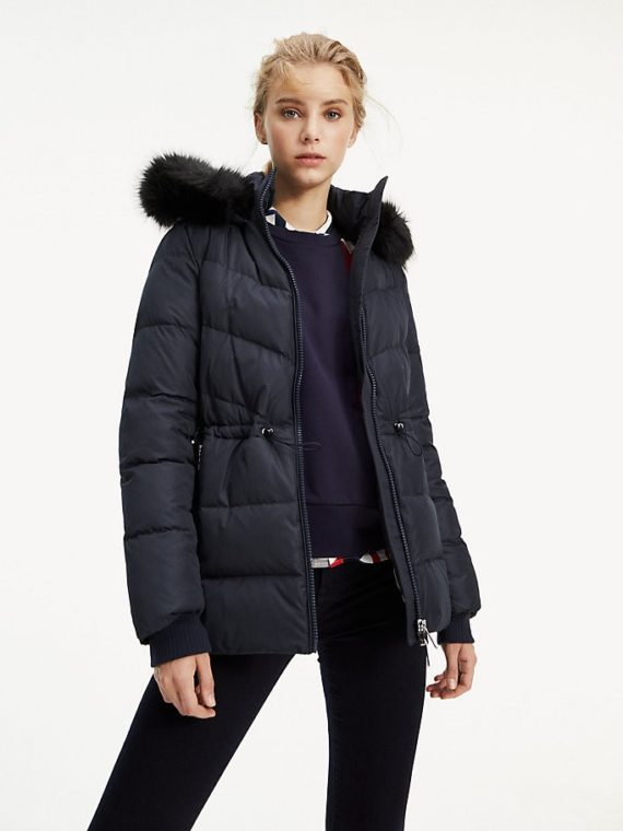 ESSENTIAL PADDED JACKET1